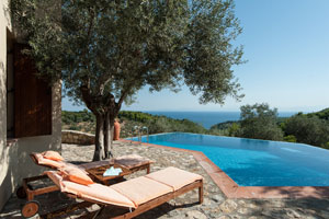 Luxury Villa for Honeymooners and romantic couples, Alonissos
