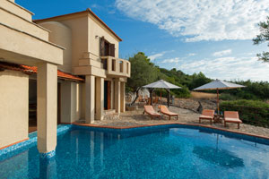 2-Bedroom Luxury Villa with Pool on Alonissos