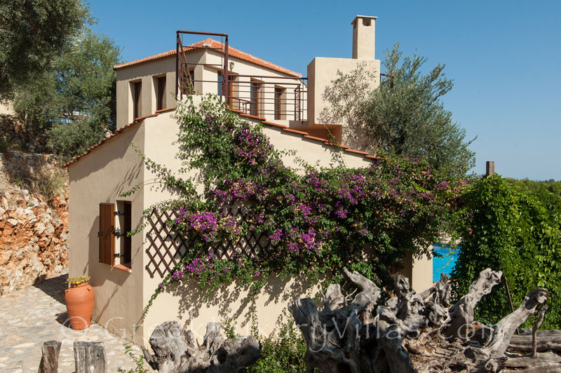 Private villa for two with pool on Alonissos