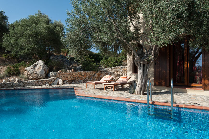 Pool and Villa in Alonissos