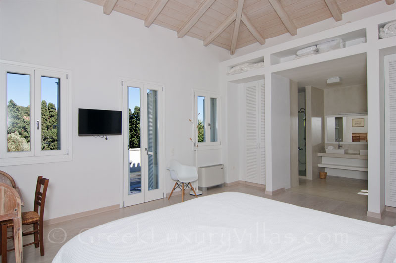 View Master Bedroom of Luxury Villa in Andros