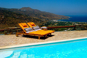 Traditional Villa with Private Pool, Andros