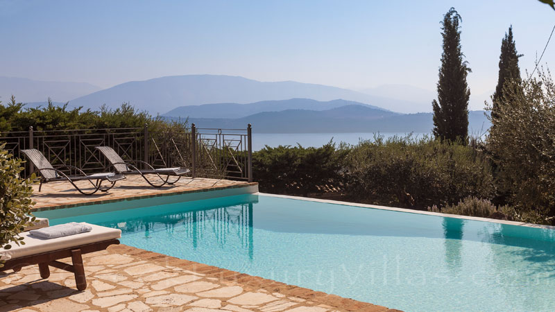 Villa with seaview with a private pool in Corfu