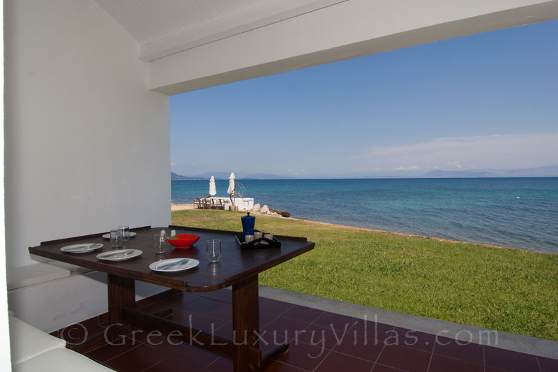 Absolute Waterfront Villa Guesthouse Seaview
