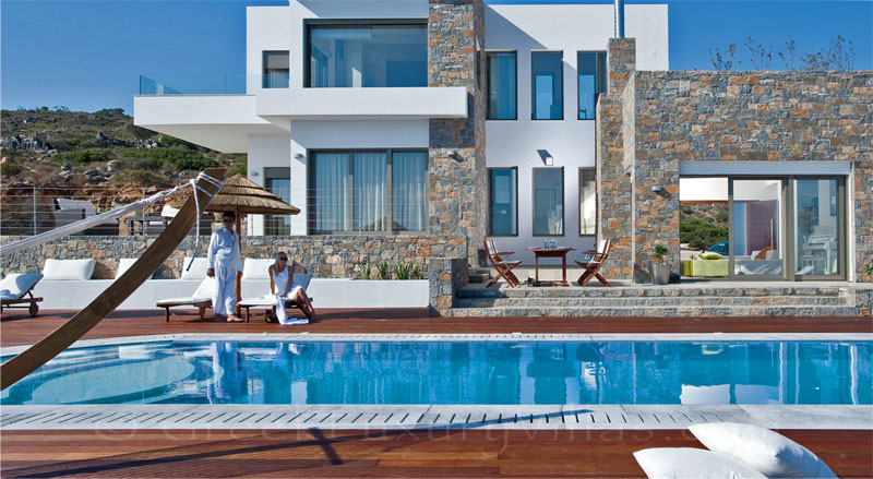 A modern luxury villa with a pool in Crete