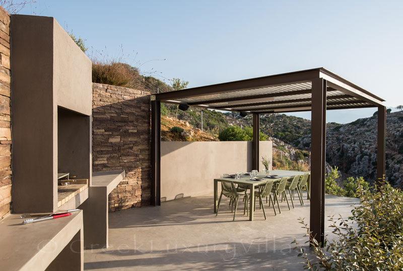 Outdoor Dining at the luxury villa in Crete