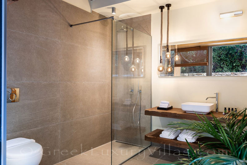 Bathroom of seafront villa with pool in Crete