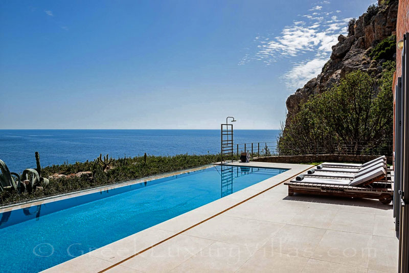 Sea view of seafront villa with pool in Crete