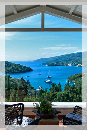 Luxury Villa with Pool and Jacuzzi overlooking the Bay of Sivota