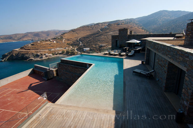 Big luxury villa with tennis and pool in Kea