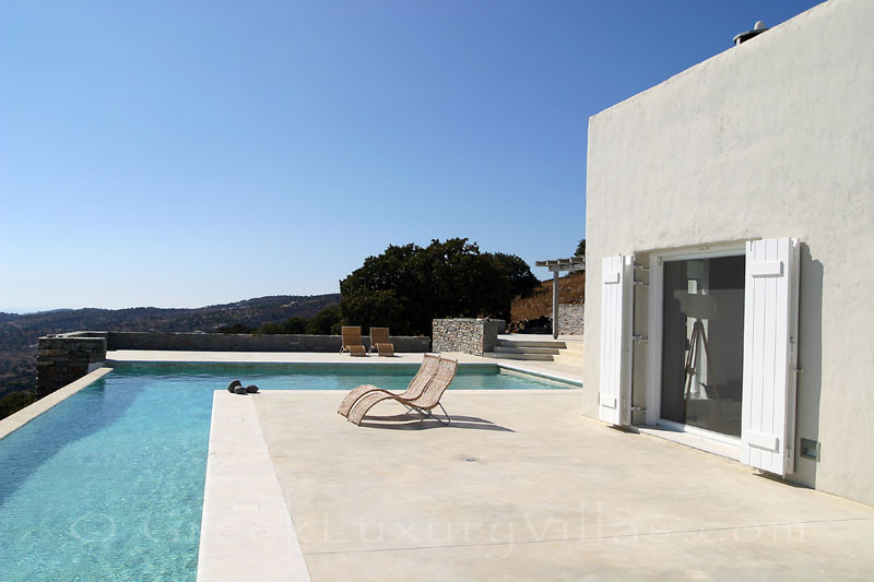 A luxurious villa with a big pool and seaview on Kea