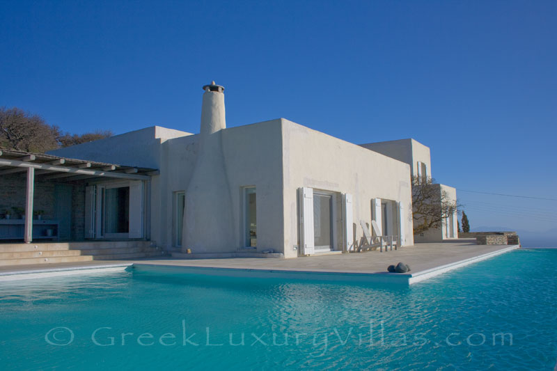 A luxurious villa with a big pool on Kea