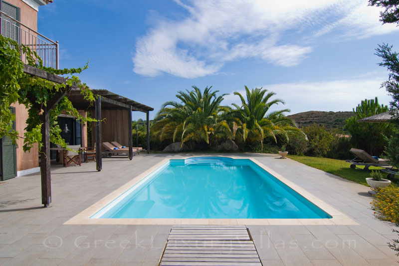 A two bedroom modern villa with a pool in Kefalonia