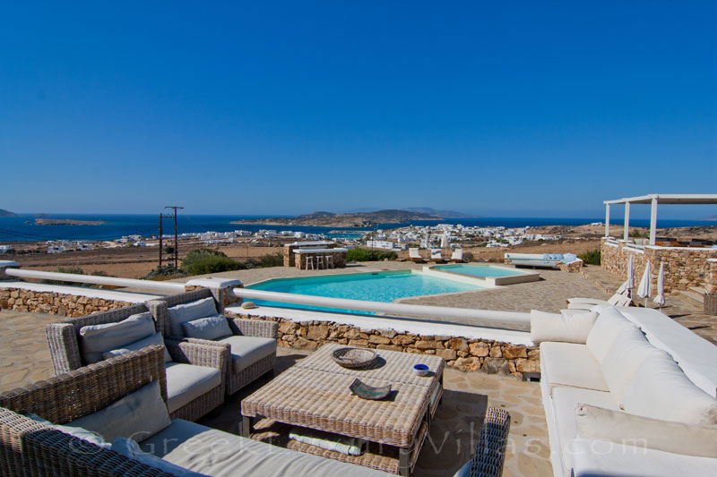 Luxury villa with pool on Koufonisi