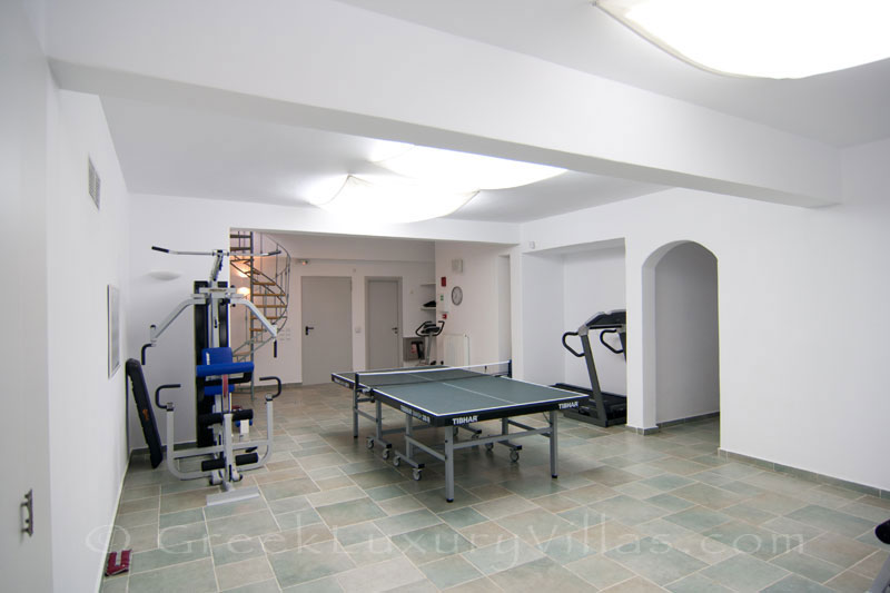 Gym of luxury villa with pool in Koufonisi