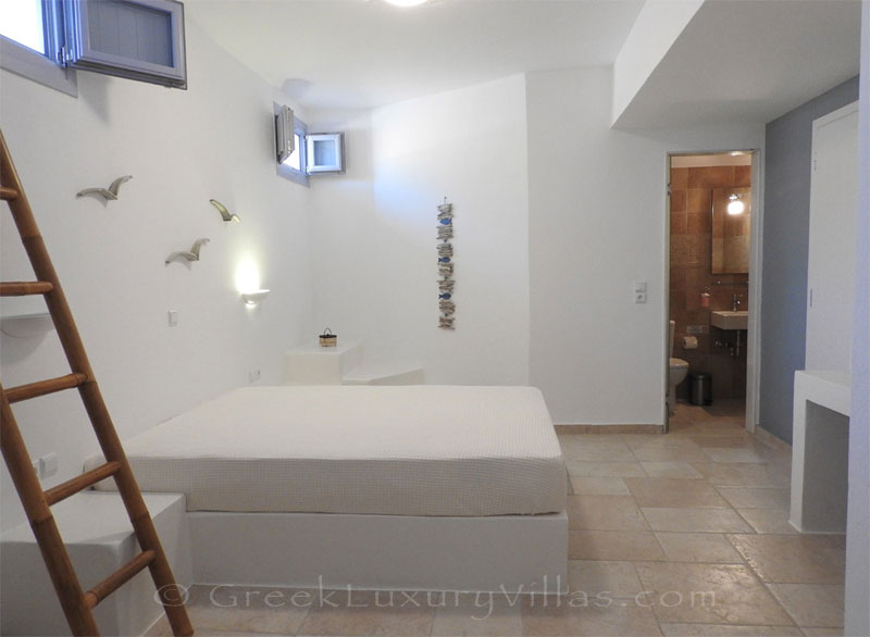 Double bedroom of luxury villa with pool in Koufonisi