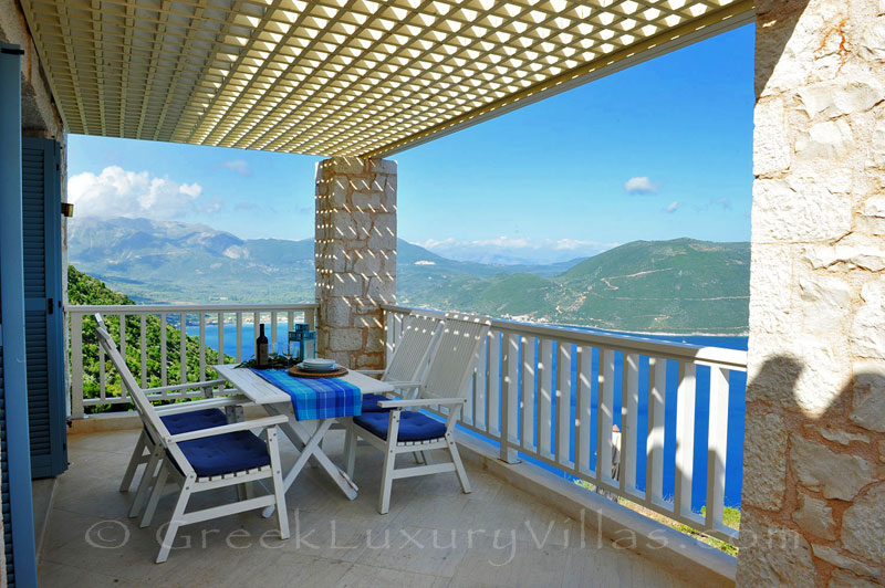 The luxury villa in Lefkas which sleeps six people and has great seaview and a pool