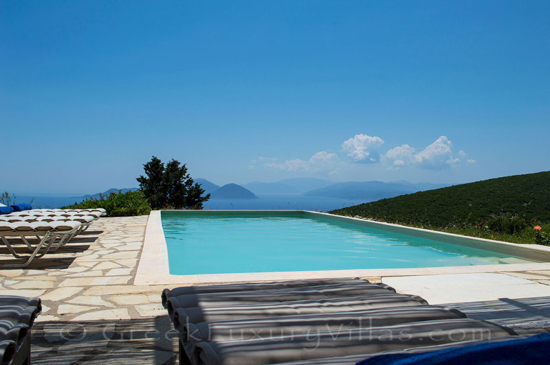 Pool with endless sea view in traditional villa on Lefkada