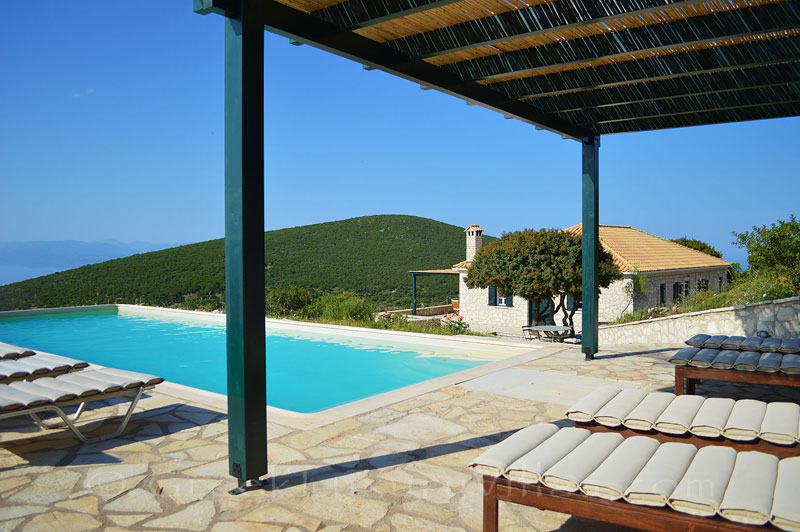 Amazing sea view of traditional villa for 10 people in Lefkas
