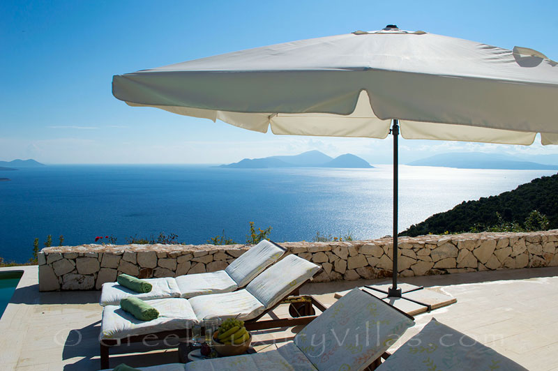 A luxury villa with stunning seaview and a pool in Lefkada