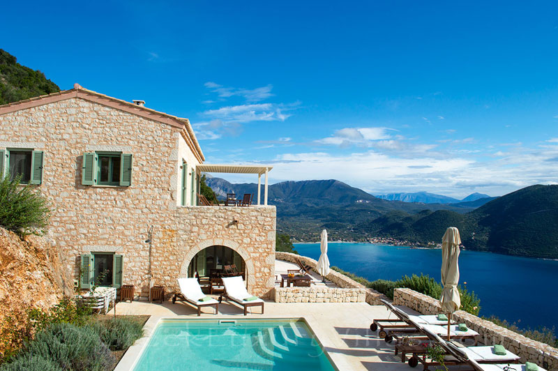 A luxurious villa with a pool and seaview in Lefkada