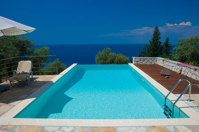 Villa with a pool and close to the beach in Lefkada
