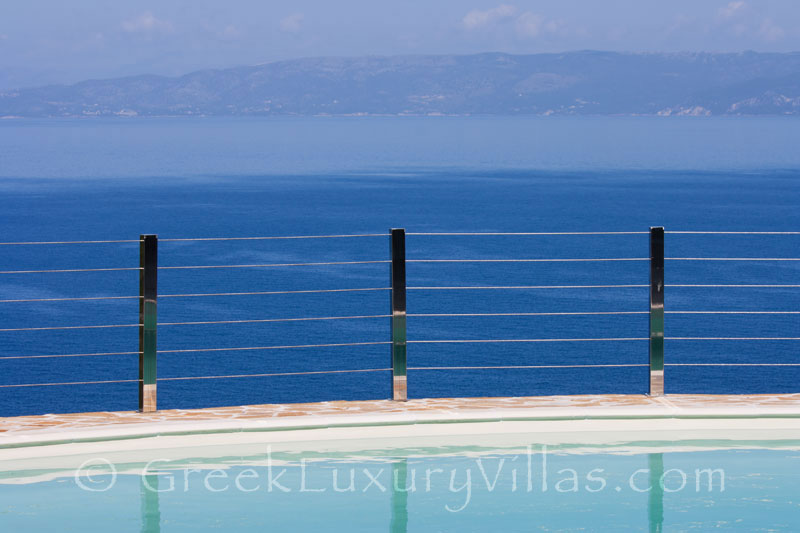 A cheerfully decorated villa with seaview and a pool in Paxos