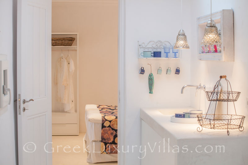 A bathroom in a luxury villa with a pool in Rhodos