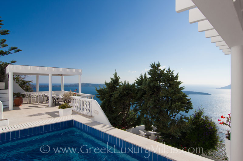 A big villa with a pool with seaview in Santorini
