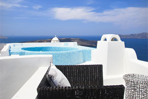 Luxurious villa with spectacular view in Santorini