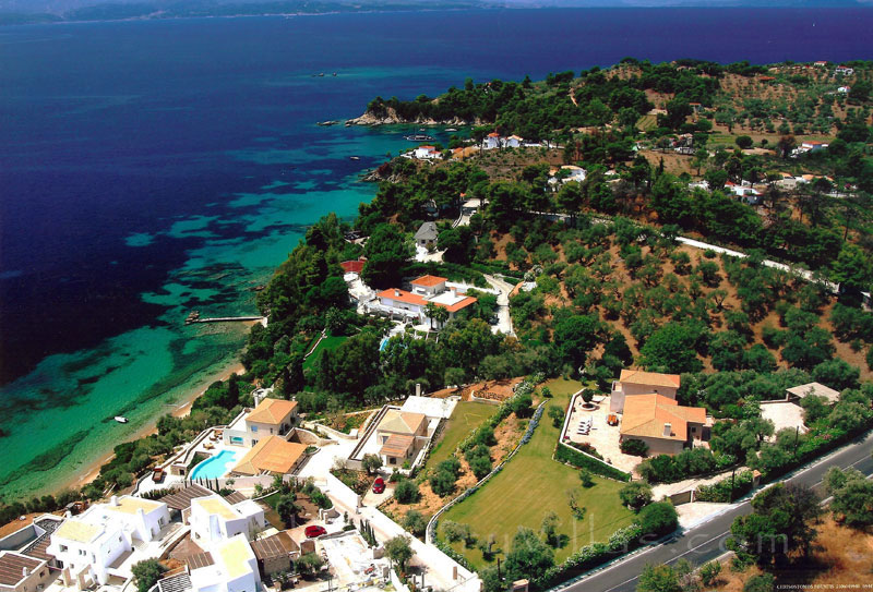 Luxury Villa with private beach in Skiathos