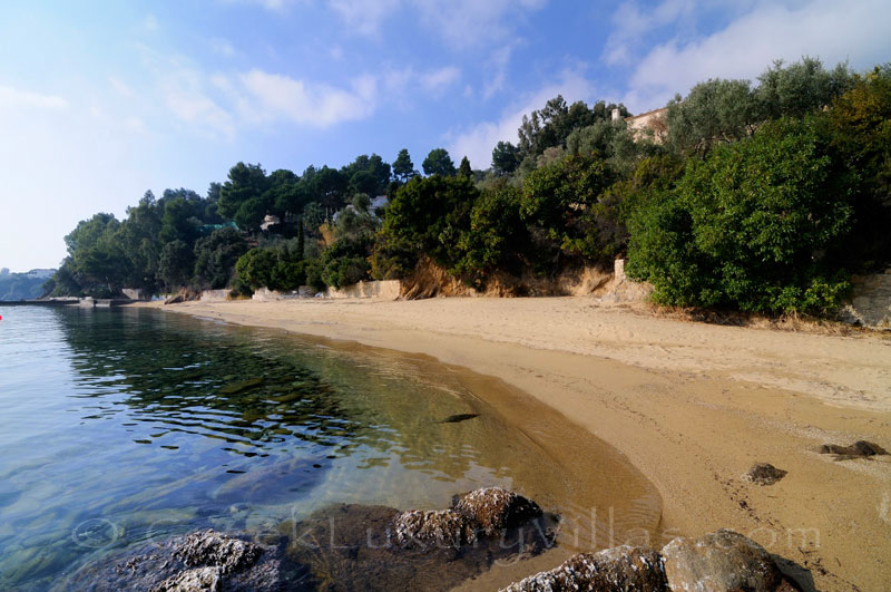 Access to the beach from luxury villa with pool on Skiathos