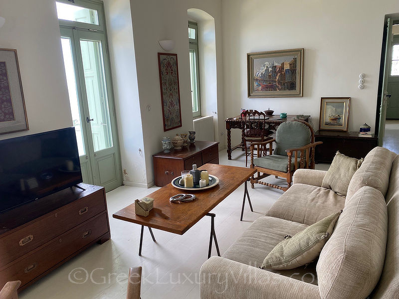 Skyros traditional luxury villa in Chora lounge