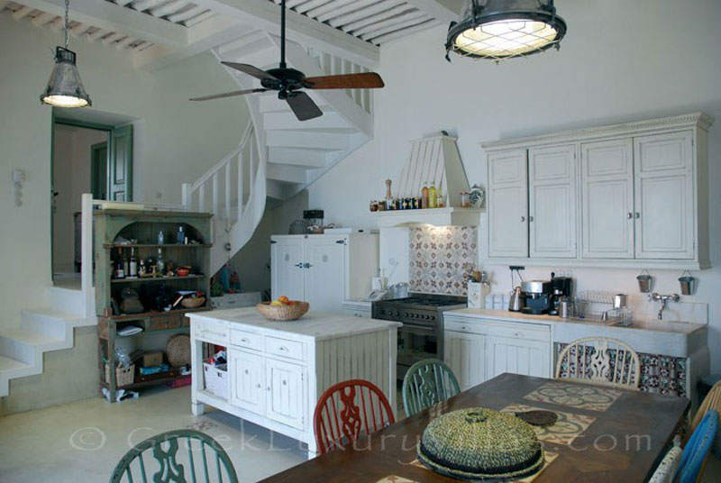 Skyros traditional luxury villa in Chora kitchen