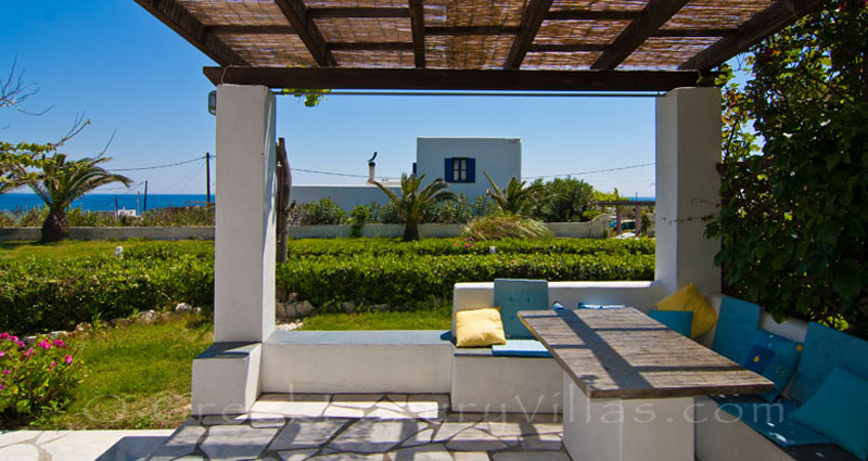 Outdoor dining table of villa for two in Skyros