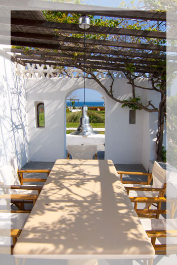 Traditional Villa 200 meters from the beach, Skyros