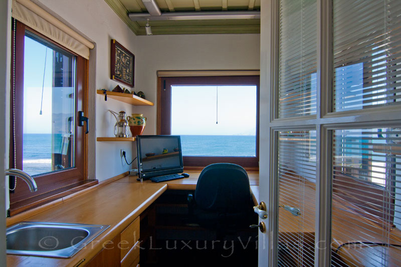 Office of absolute beachfront villa in Skyros