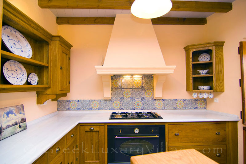 Ambelos apartment's kitchen in a traditional villa in Spetses