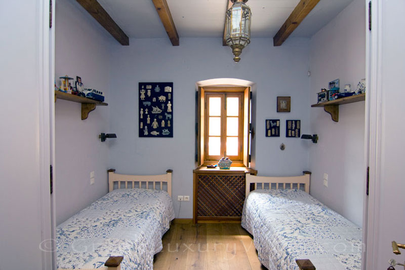 A twin bedroom of Ambelos traditional villa in Spetses