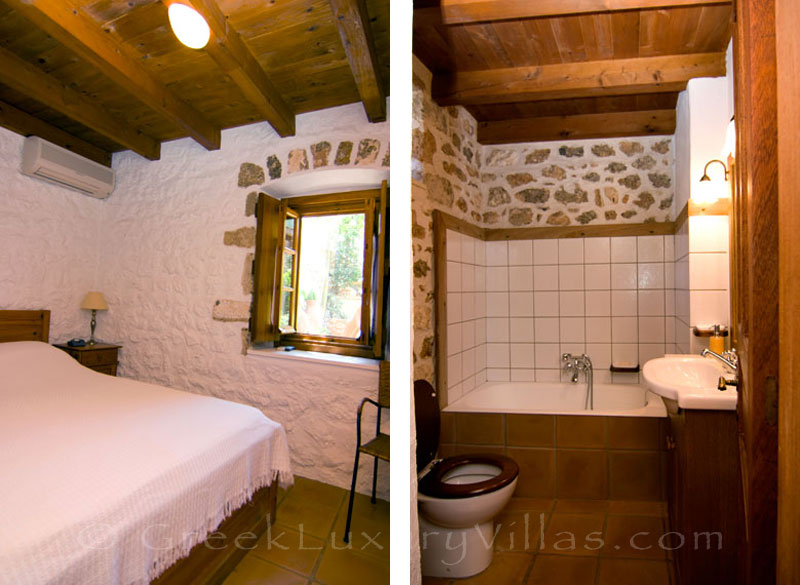 The bedroom of Elia cottage in a traditional villa in Spetses