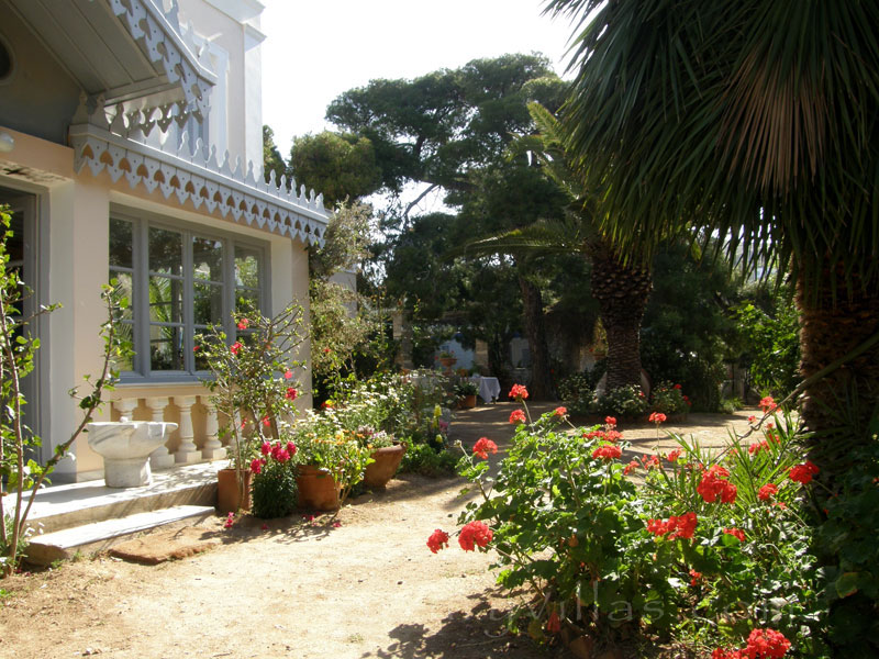 Villa for large groups in Syros