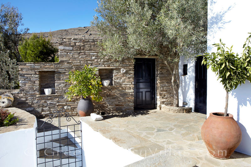 luxurious traditional house for two people on Tinos