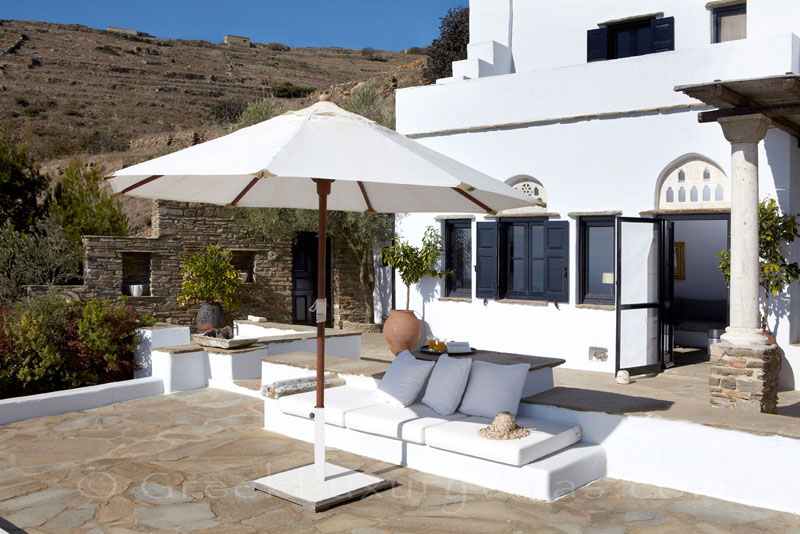 Tinos luxurious traditional house for two spacious veranda