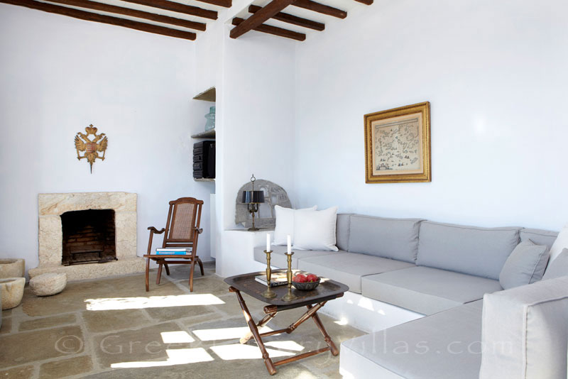 Tinos luxurious traditional house for two living room