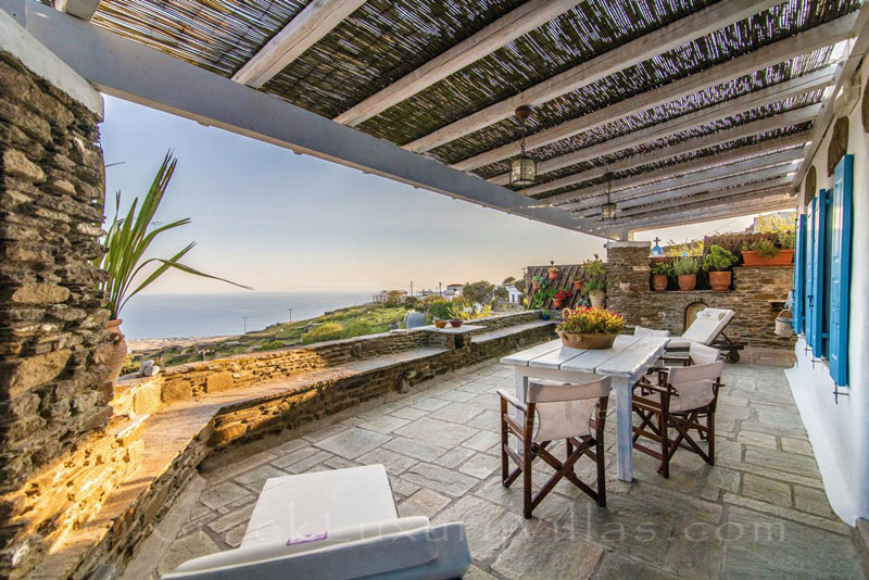 traditional villa on Tinos with panoramic sea view