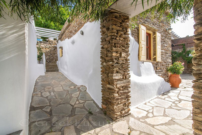 traditional villa for four guests on Tinos