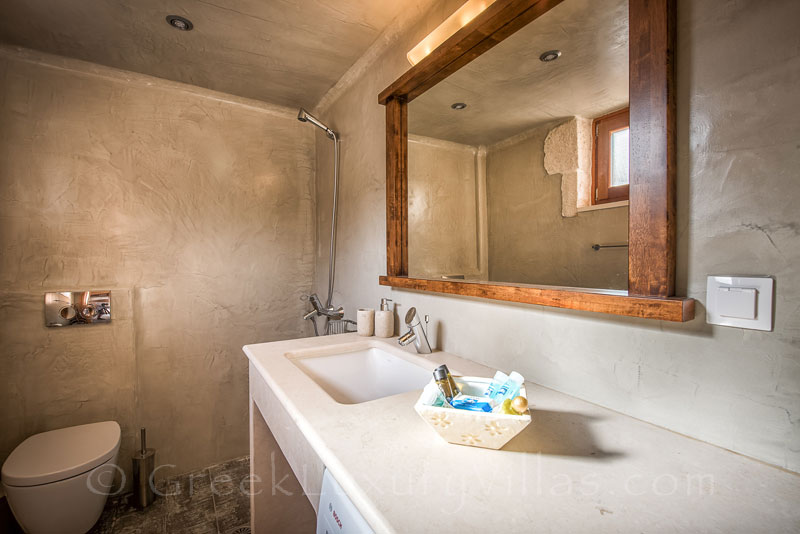 The bathroom of a two bedroom villa with a pool in Zakynthos
