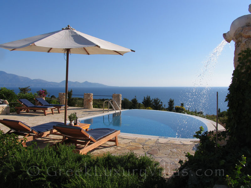 Seafront villa with pool in Zakynthos