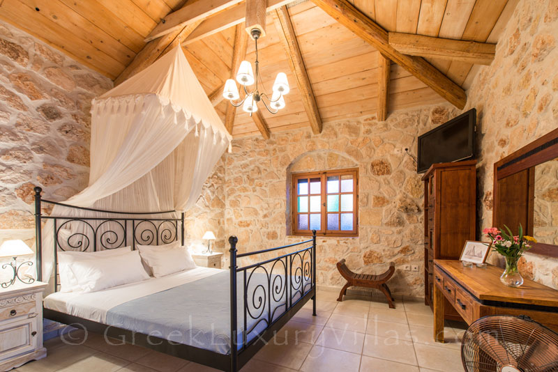 Bedroom of seafront villa with pool in Zakynthos