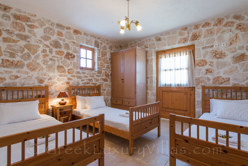 Triple bedroom in seafront villa in Zakynthos